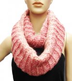 Lop Chunky Knit Infinity Scarf Pink